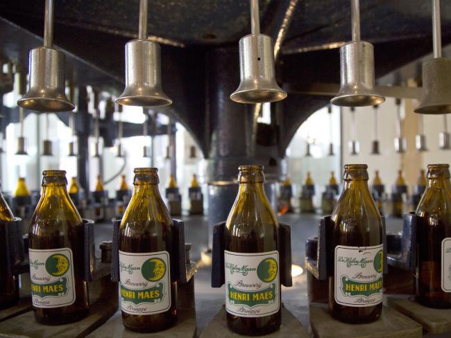 Cerveza belga embotellada embotelladora