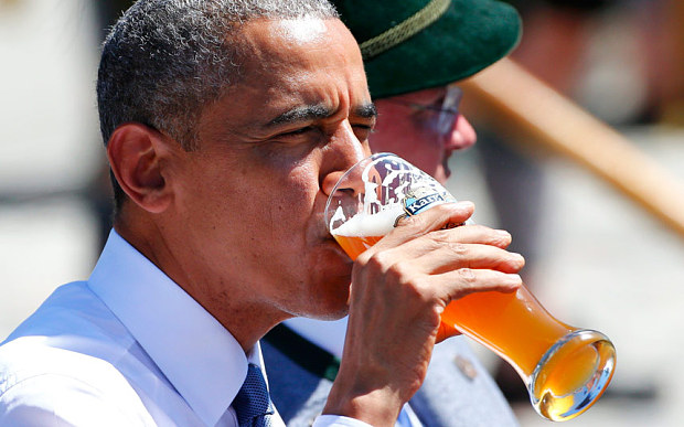 Barack Obama tomando cerveza G7 Alemania